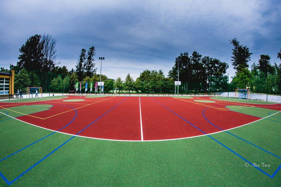 Nowoczesne boisko przy szkole 22 w Jeleniu otwarte!